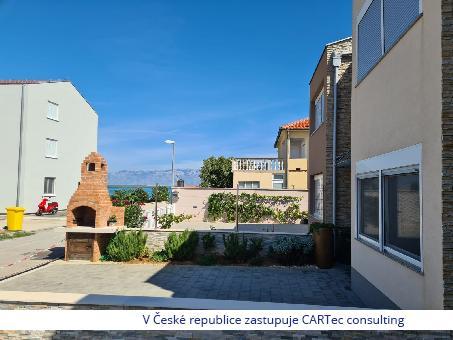 NIN / ŽDRIJAC - Prodej řadového domu - pouhých 30 m od moře a pláže!