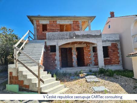PETRČANE - Prodej rozestavěného rodinného domu - 70 m od moře a pláže