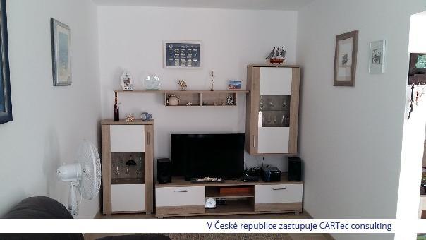 PRIVLAKA / SABUNIKE - Prodej dvoupatrového apartmánu s terasou - 800 m od moře