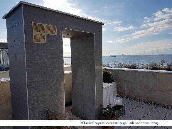 PRIVLAKA - Prodej apartmánu se střešní terasou - 150 m od moře
