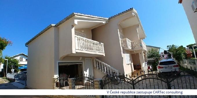 VRSI / ZUKVE - Prodej domu se třemi apartmány - 30 m od moře (Snížená cena!)