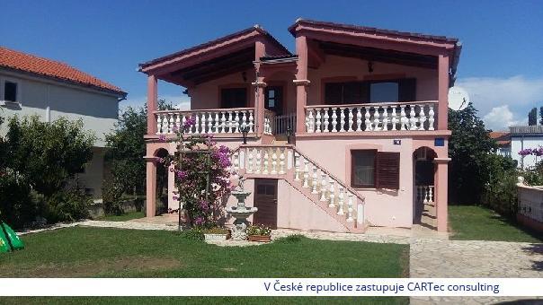 VRSI / ZUKVE - Prodej domu se 4 apartmány - 150 m od moře a pláže