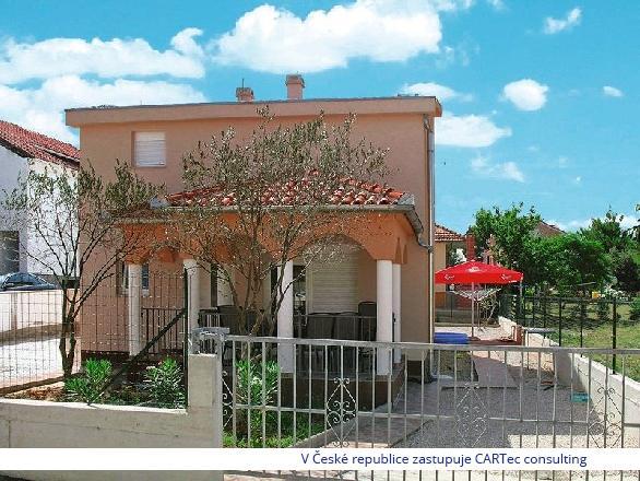 VRSI / MULO - Prodej luxusního domu se dvěma dvoupodlažními byty - 120 m od moře