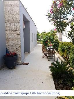 NIN - Prodej apartmánového domu - 400 m od Kraljičine pláže