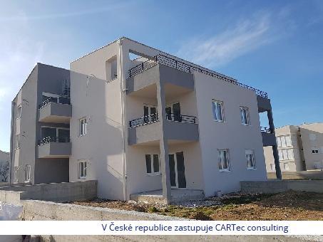 PRIVLAKA -  Prodej apartmánu v novostavbě bytového domu - 20 m od moře