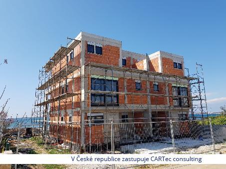 PRIVLAKA -  Prodej třípatrový domu v 1. řadě u moře