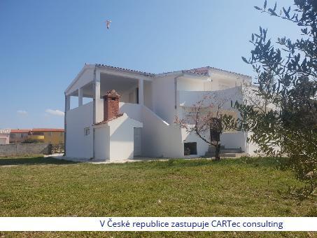 VIR - Prodej rodinného domu s velkým dvorem - 50 m od moře