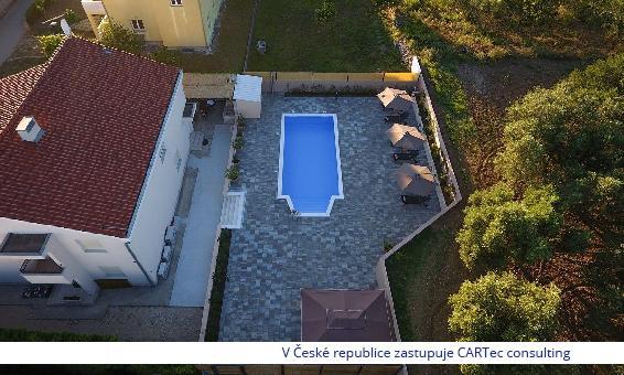 KOŽINO - Prodej zařízeného domu s bazénem a výhledem na moře - 500 m od moře