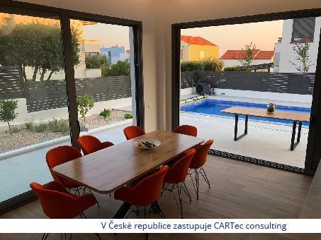PETRČANE - Prodej luxusní vily s bazénem - 100 m od moře