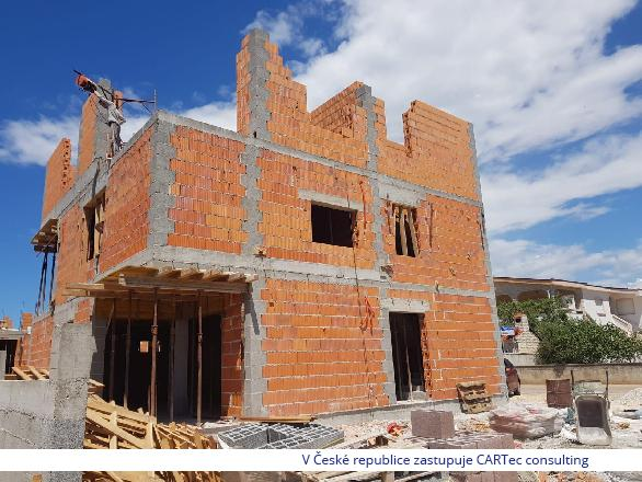 VIR - Prodej apartmánu se třemi ložnicemi, střešní terasou s bazénem v novostavbě domu - 70 m od moře