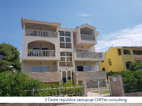 ŽABORIĆ (ŠIBENIK) -  Prodej domu se čtyřmi apartmány - 1. řada od moře