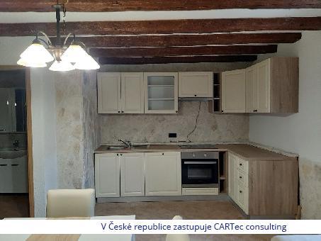 PRIVLAKA - Prodej apartmánu v přízemí - 40 m od moře