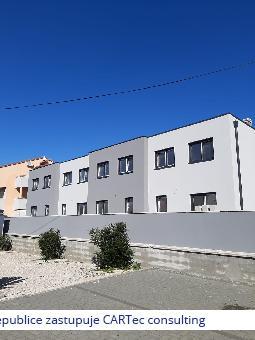 VRSI / MULO - Prodej mezonetového bytu se 3 ložnicemi a zahradou (30m2) - 250 m od moře